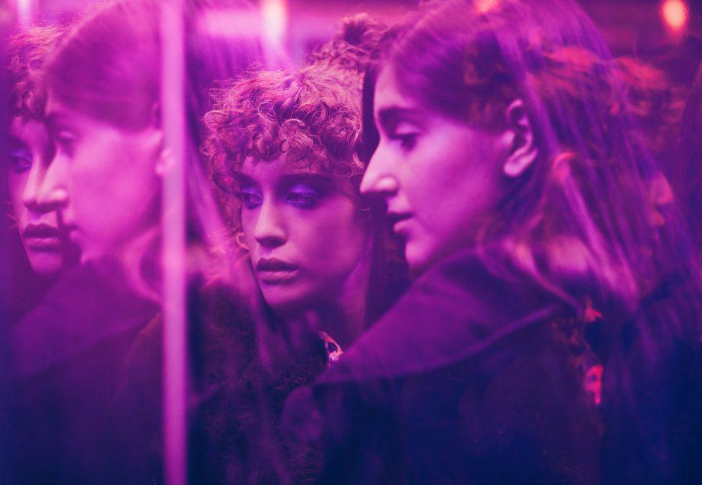 Las Niñas de Cristal was shot on Harlequin Reversible dance vinyl